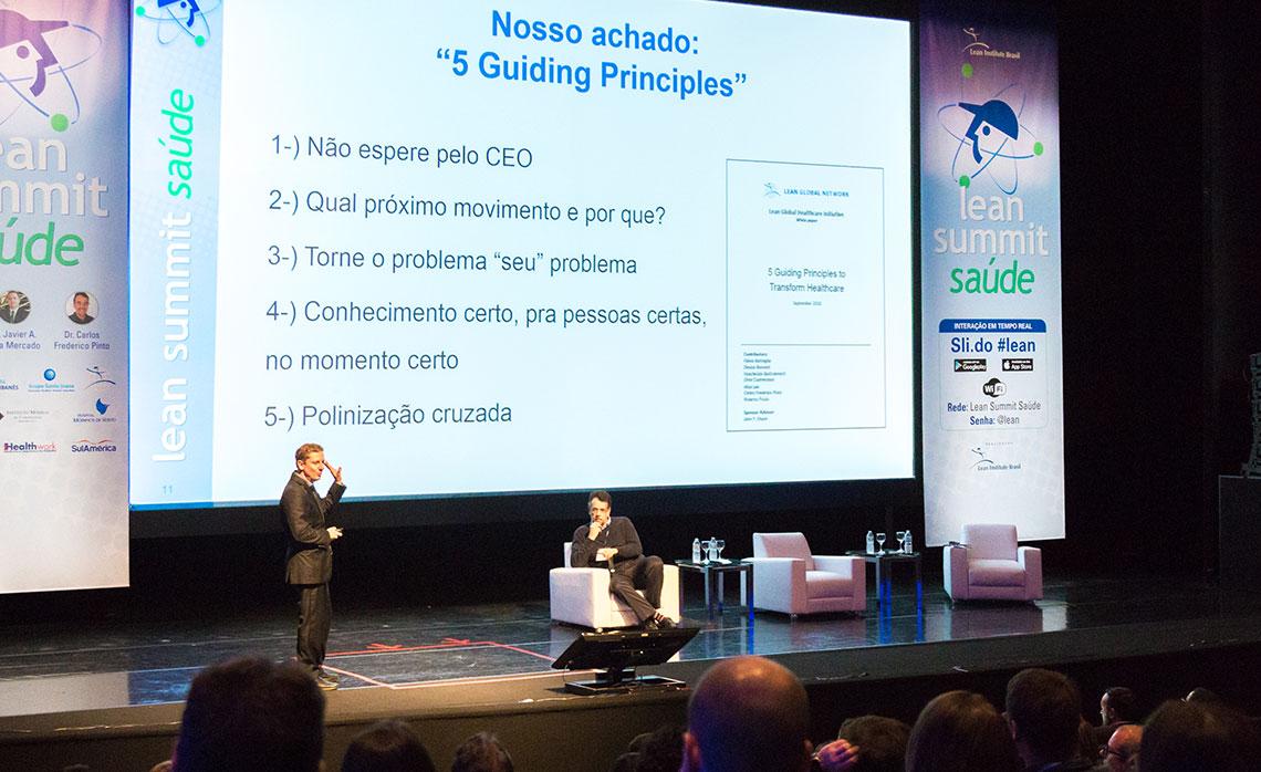 Flávio Battaglia junto com o Dr. Carlos Frederico, discorreram  sobre os '5 Guiding Principles', consolidados pelos estudos da Lean Global Network.