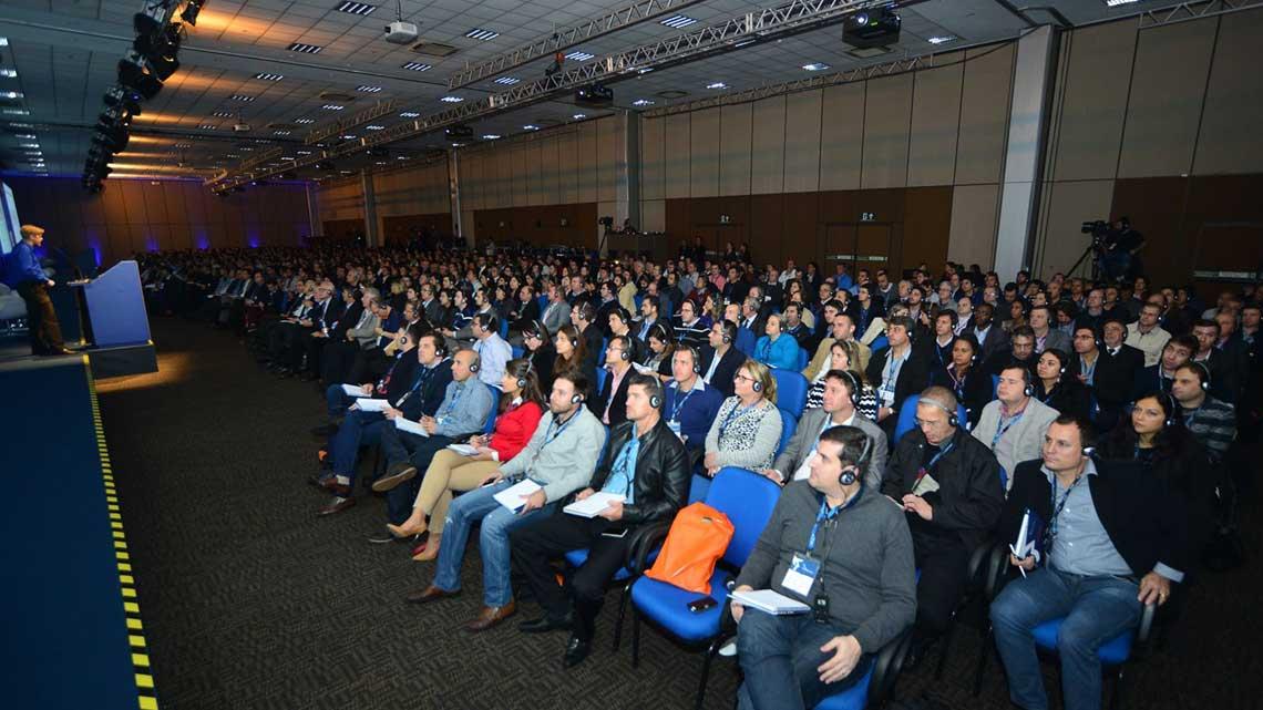 Mais de 800 pessoas participaram do evento